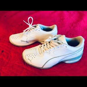"Women's White ""PUMA"" shoes size 8"